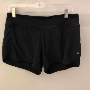 Lululemon black shorts, sz 6, 64237